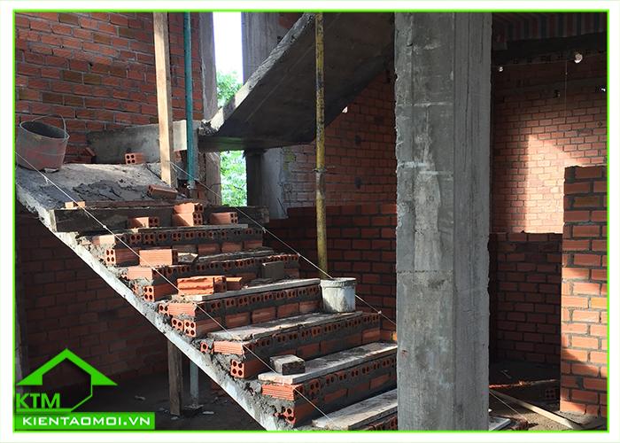 Chi tiết cầu thang công trình nhà chú Hùng tại TP. Bảo Lộc